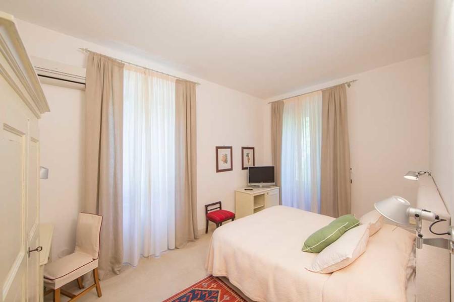 Bedroom Master Casina Metrano.jpg