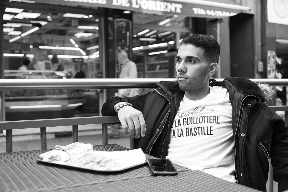 Elias Lebeau   Fondateur de la marque, un ego assez grand pour poser pour sa propre marque, à moins qu'on avait plus de budget...   Linkedin : Elias Lebeau -  Instagram : @phoeniciankid
