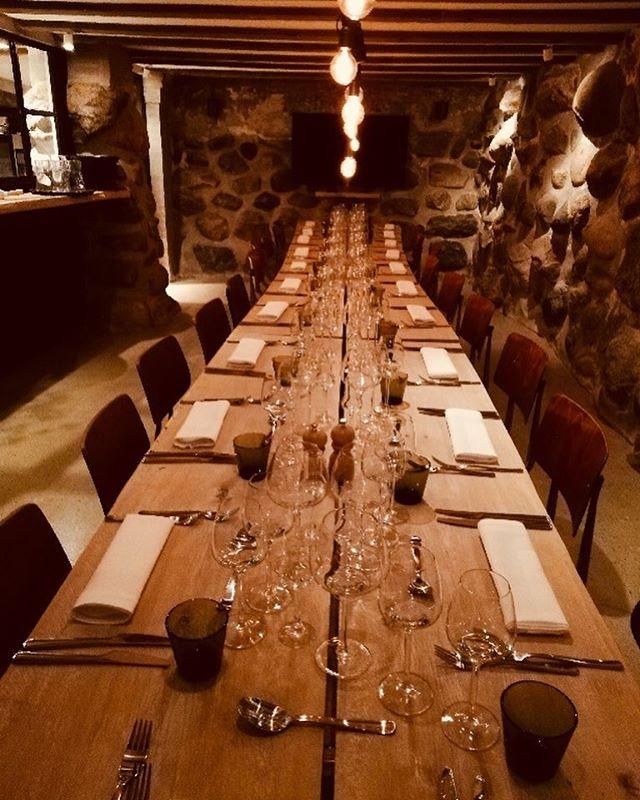 Så er vi klar til at tage imod Leth, Malmros, Bukdahl & Co. til et private dining arrangement i LYNlab ⚡️💛✨ . . . #aarhus #lynlab #skammeritzoggraem #lynfabrikken #lørdag #sæsonensråvarer #økologi #privatedining #event