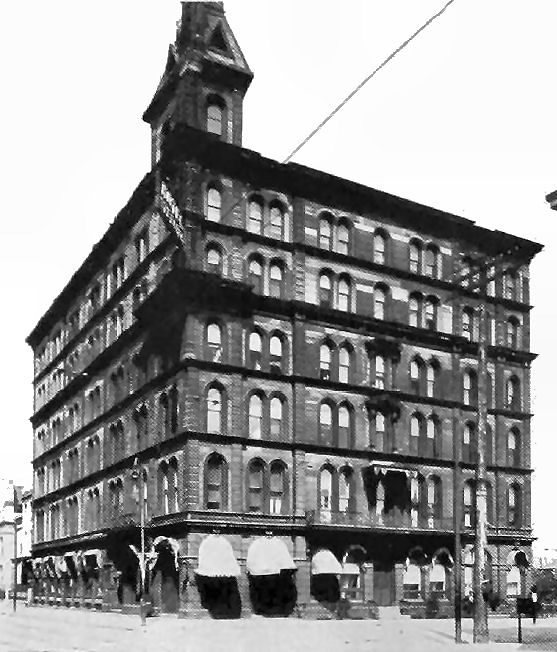 Cincinnati's Sterling Hotel. Courtesy of CincinnatiViews.net.