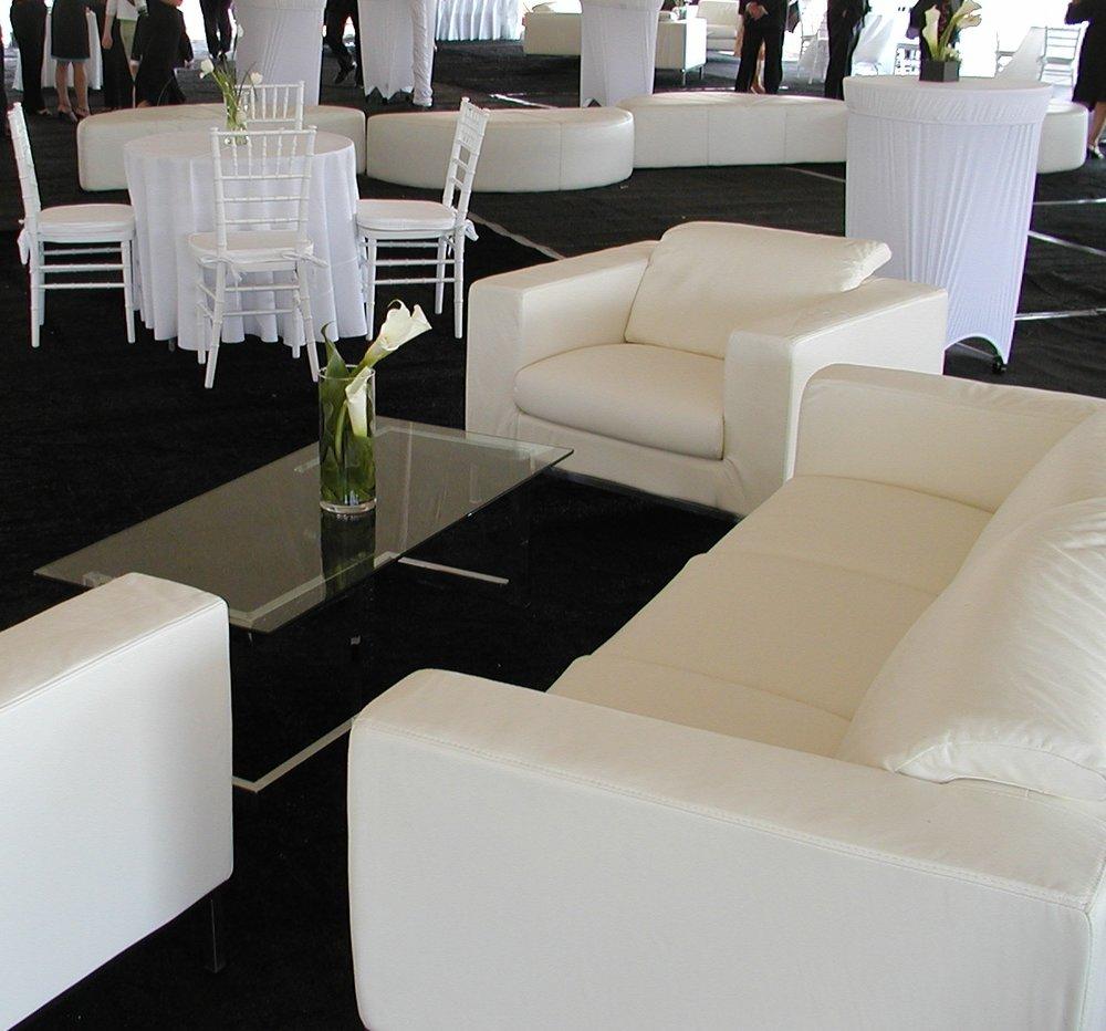 simple lounge.JPG
