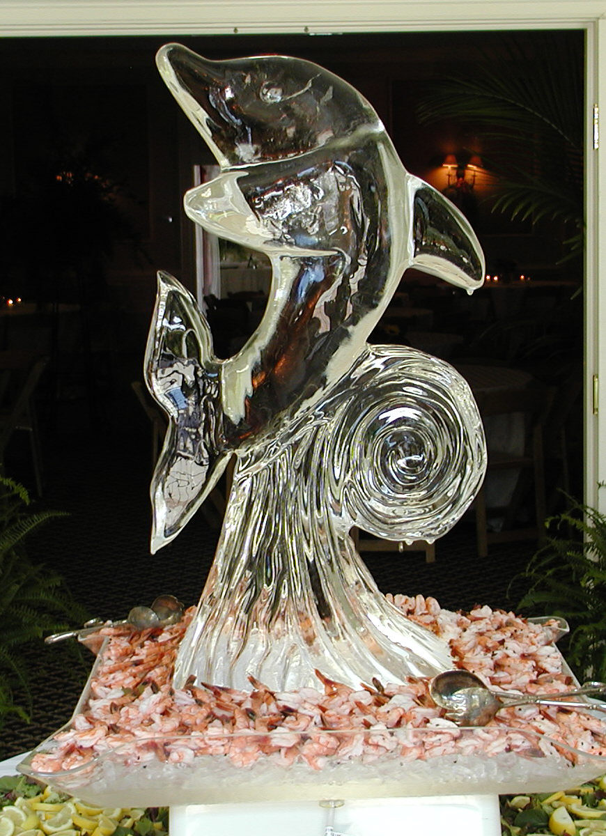ice sculpture to keep seafood fresh
