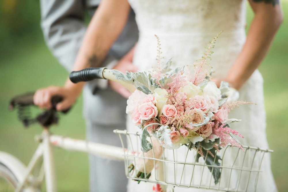 wedding bouquet in a bike
