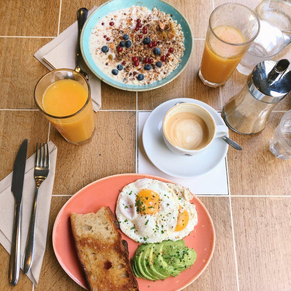 2. Coutume Café