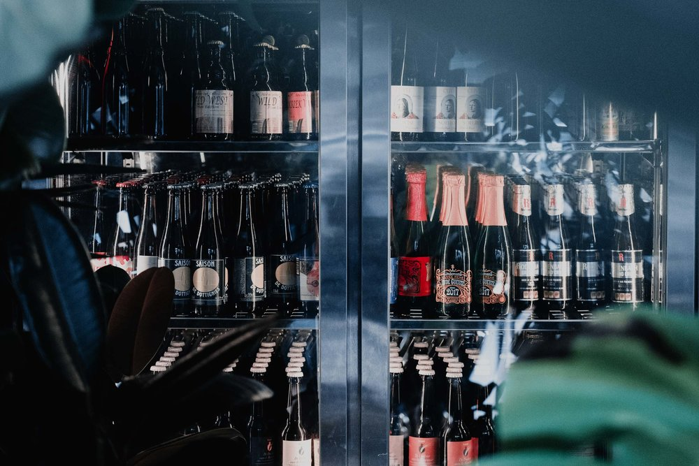 At Blue Supreme, we import a unique selection of bottle conditioned craft beer in Hong Kong from Belgium and USA, consisting of lambics, oude gueuzes, wild sour ales and farmhouse ales to conplement hop centric beers like pale ales and india pale ale freshly sourced locally.