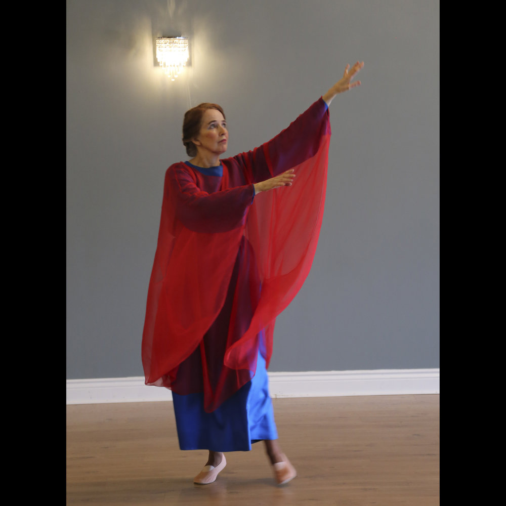 Eurythmy Easter 2018-7428.jpg