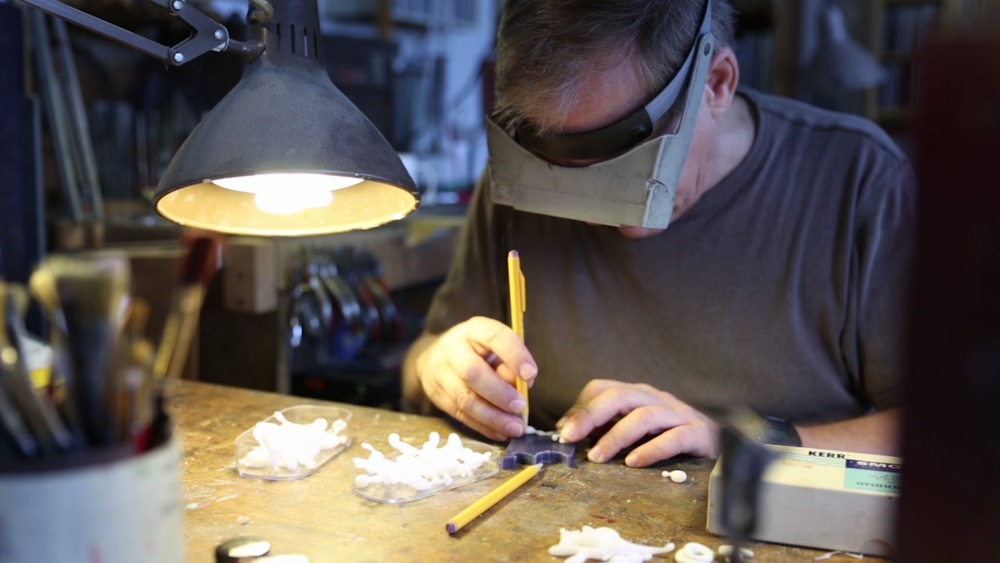 Bruce Metcalf - Master fine art jeweler Bruce Metcalf refuses to use traditional metals and gems in his work.Season 1, Episode 4