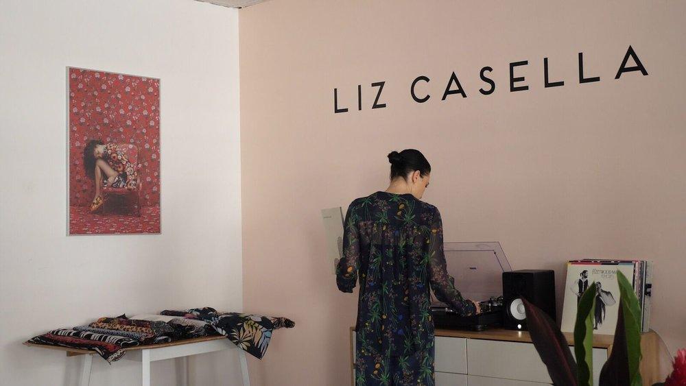 Liz Casella: Patterns Hidden in Plain Sight - Much of haute couture feeds off textile print designer Liz Casella's creativity.Season 2, Episode 6