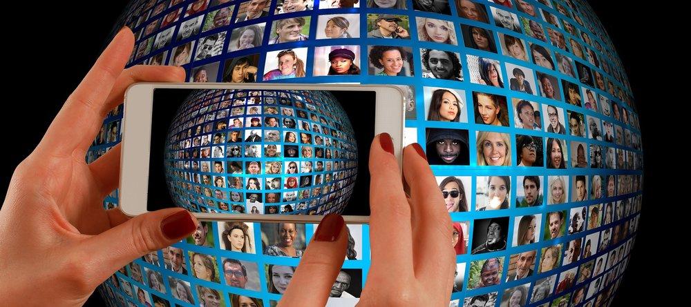 smartphone-1445489.jpg