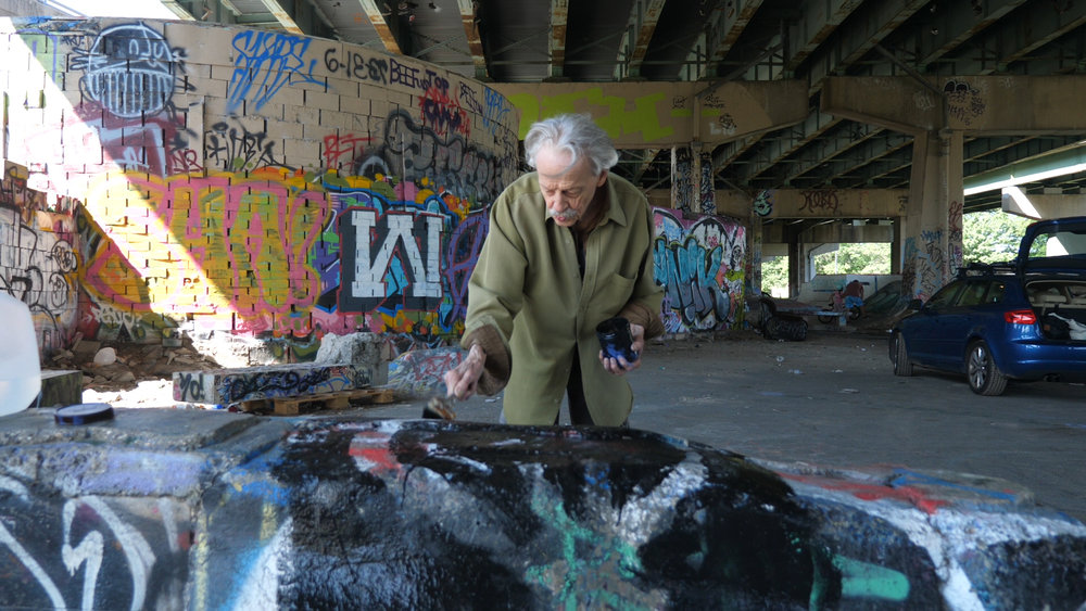 Robert Janz's Disappearing Acts - Leaving a mark on the world implies permanence. For Robert Janz, art is more fleeting, like life itself.Season 3, Episode 2