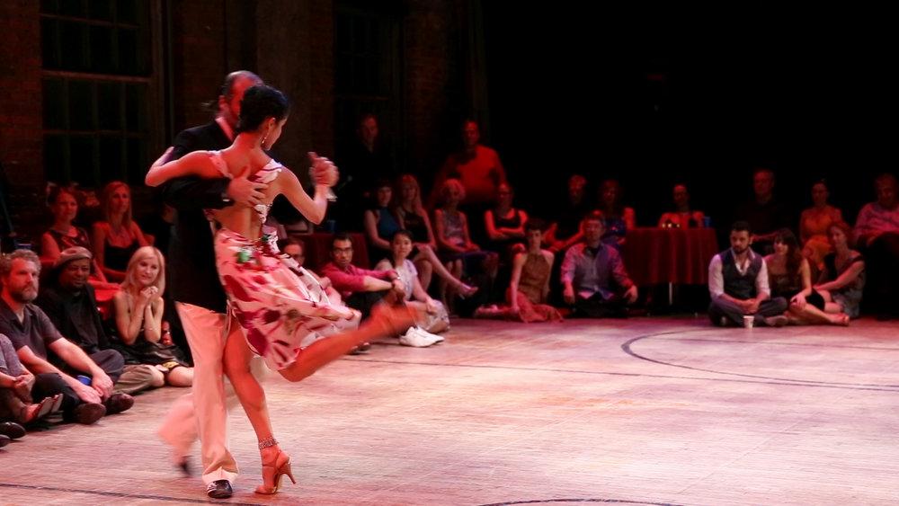 Tango 1.jpg