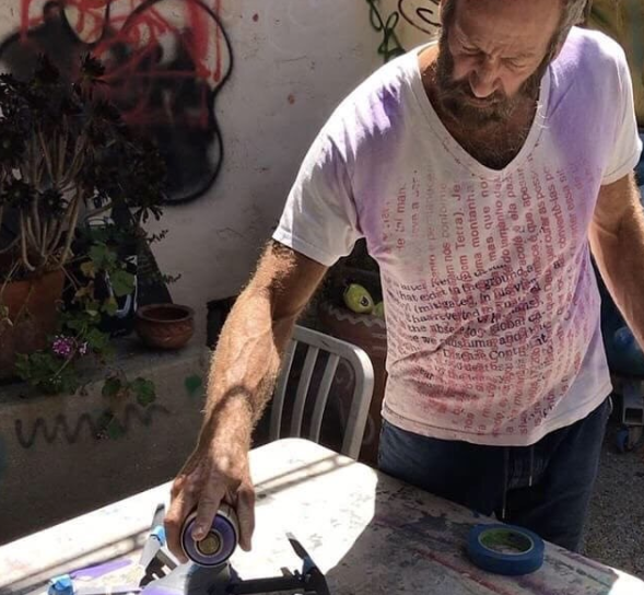 "@articulatejimcotter:   "" #TBT: Armed with a can of spray paint, renowned visual artist @kennyscharf gives the Articulate drone a vibrant makeover."""