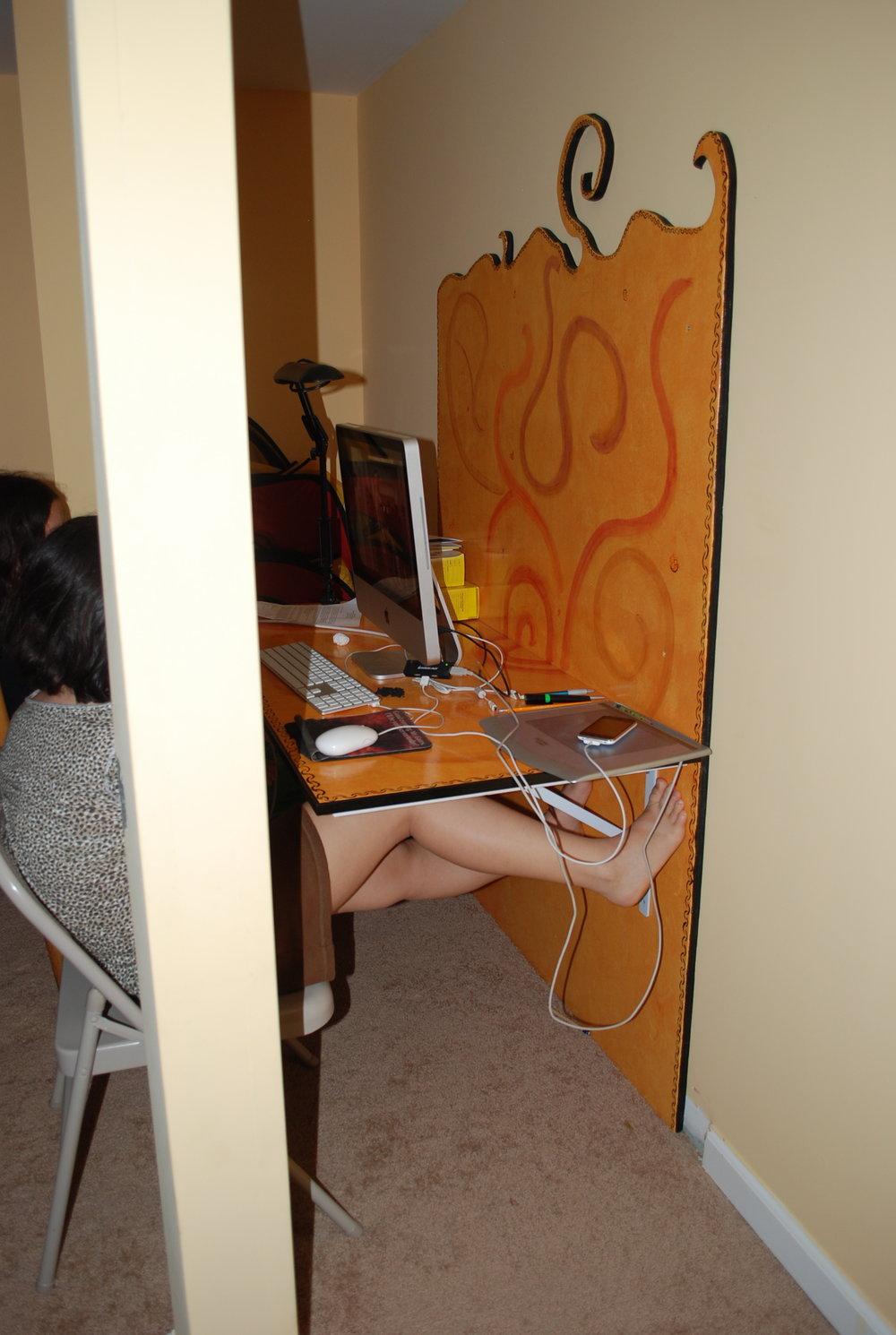 basement desk 2.JPG