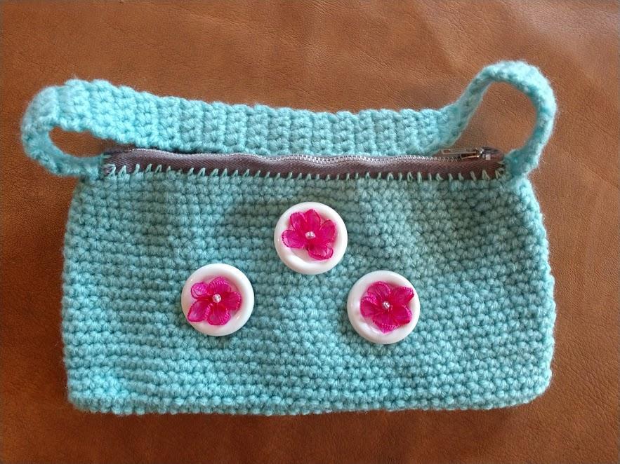 blue zipper purse.jpg