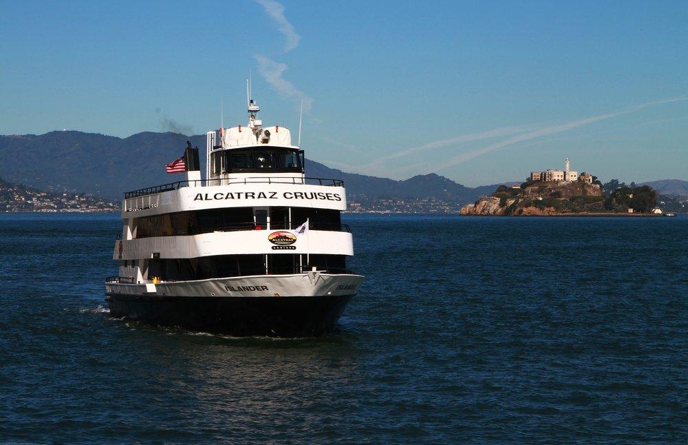 alcatraz-cruise-1762094_1920.jpg