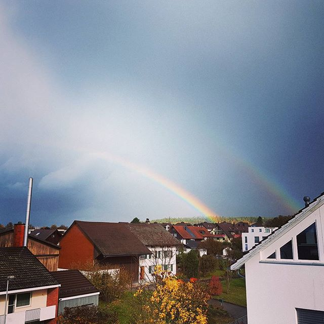 Quite happy about today's rainy and sunny Sunday 🌞🌧 Have you ever seen a triple rainbow?