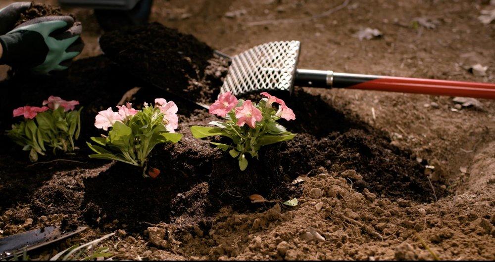 Smart shovel™ - A Shovel That Can Recycle Soil