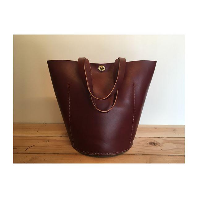 06.08.2018 #leatherwork #bucketbag #brass #handstitched #handsome #india