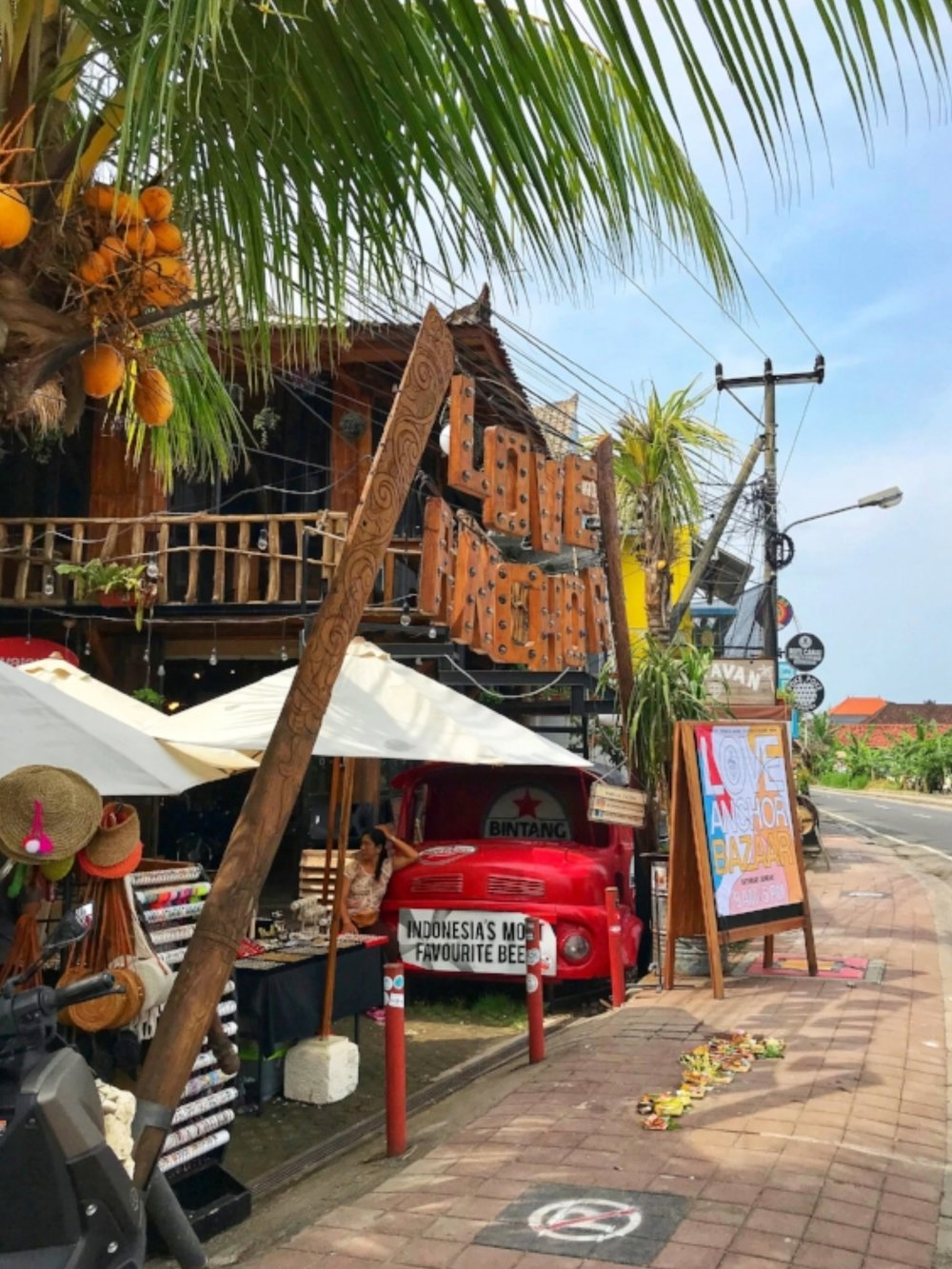 Love Anchor market in Canggu