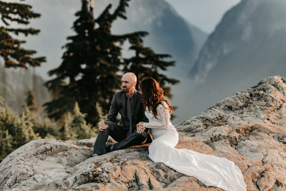HIKING ADVENTURE ELOPEMENT   SEATTLE, WA   MARIE VANDERPOOL PHOTOGRAPHY