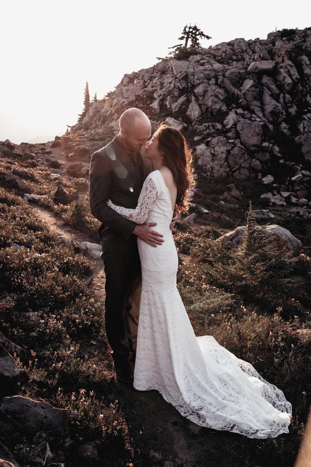 NORTH CASCADES ADVENTURE ELOPEMENT   MARIE VANDERPOOL PHOTOGRAPHY