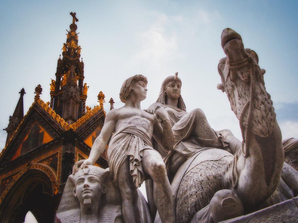 Statuesque-London-England-wmlamont_1aPA310103b.jpg