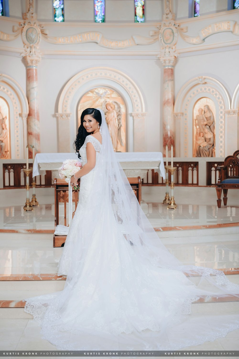 Incarnate Word Chapel + St. Anthony Hotel Wedding in San Antonio
