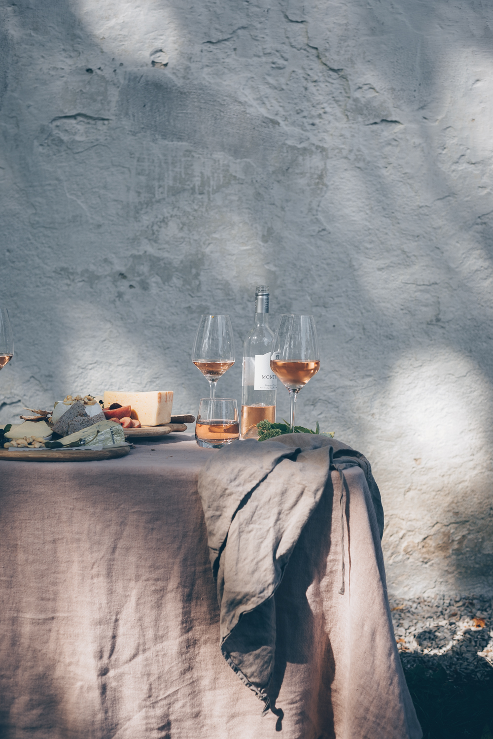 A Food Styling & Photography Retreat in Gotland, Sweden - An Experience Report by Kati of black.white.vivid._34.jpg