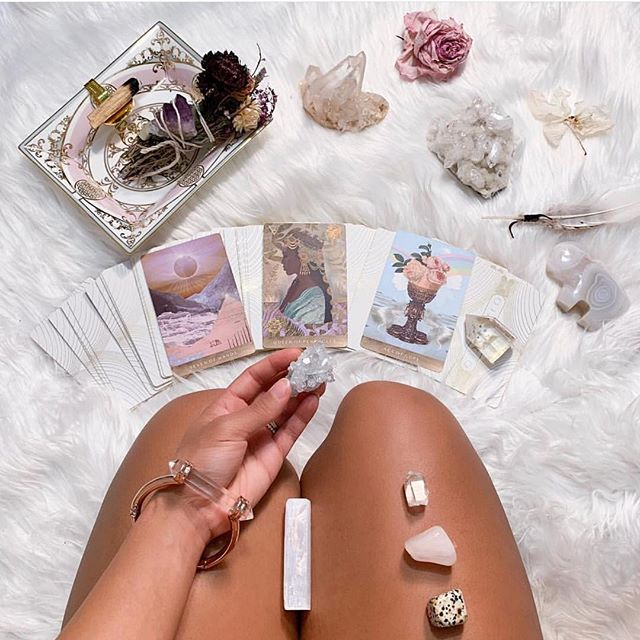 Moonchild snapshots from @yogi_goddess, the Goddess of the strength card of this deck. . . What card do you most identify with in the Tarot?