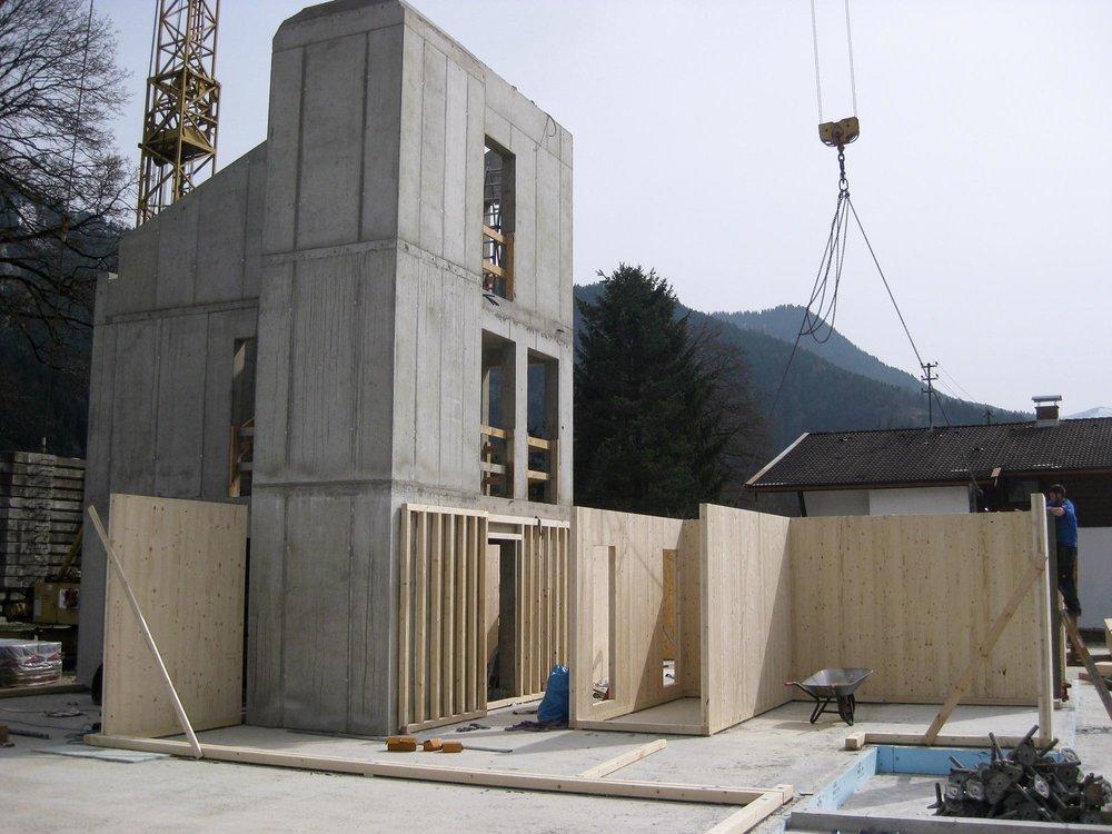 zimmerei-stoib-holzbau-massivholzbau-brettsperrholz-bauablauf-01.jpg