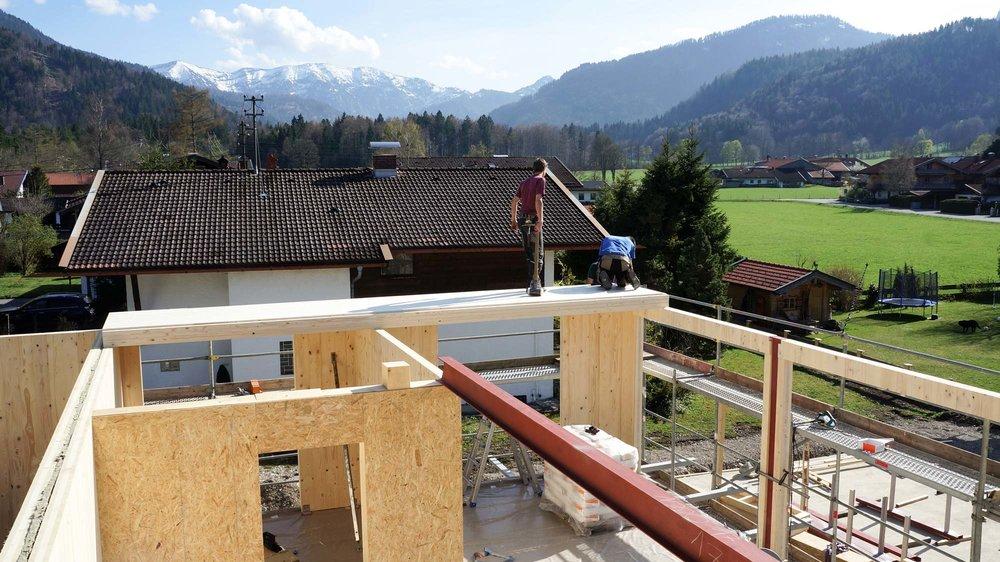 zimmerei-stoib-holzbau-massivholzbau-brettsperrholz-bauablauf-05.jpg