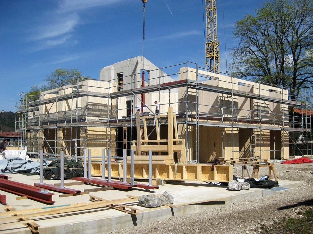 zimmerei-stoib-holzbau-massivholzbau-brettsperrholz-bauablauf-06.jpg
