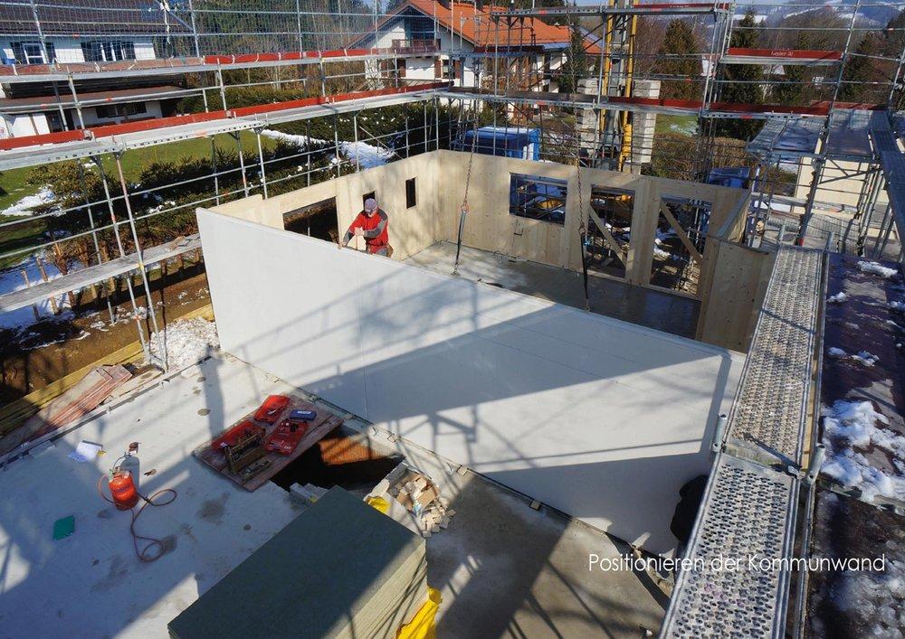 zimmerei-stoib-holzbau-holzhaus-stehende-blockwand-montage-bauablauf-04.jpg