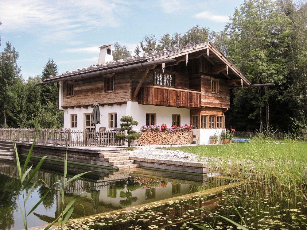 Traditionelles bayerisches Blockhaus mit Altholz