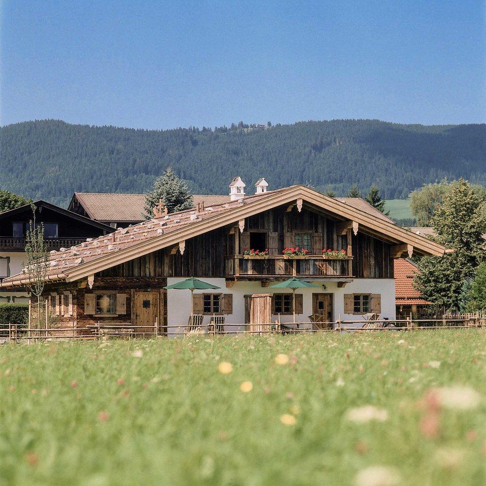 zimmerei-stoib-holzbau-holzhaus-egerner-höfe-alm-blockbau-altholz-innenausbau-tegernsee-rottach-egern-08.jpg