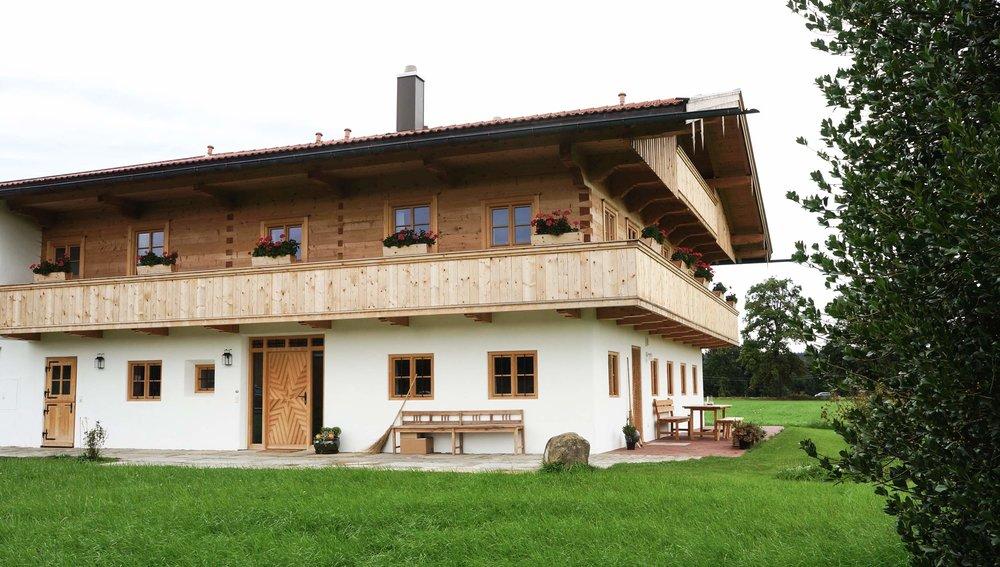 zimmerei-stoib-holzbau-holzhaus-bauernhof-sanierung-umbau-blockhaus-balkon-warngau-04.jpg