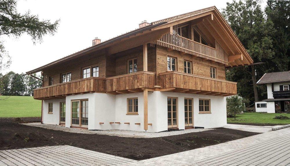 Doppelhaus in Massivholzbauweise mit Altholzfassade
