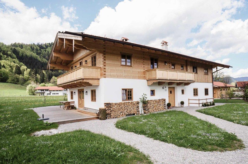 Blockhaus in traditioneller oberbayerischer Bauweise