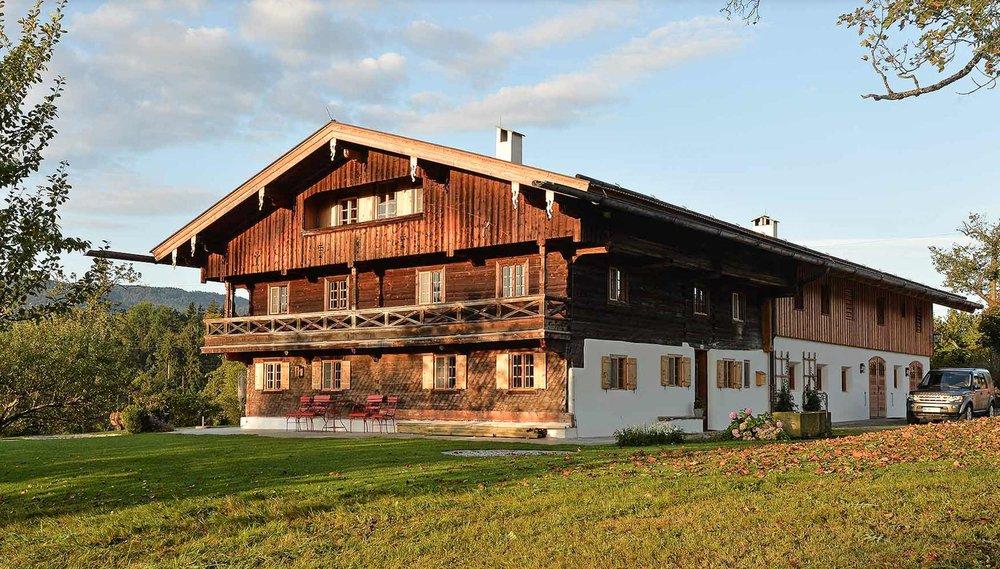 zimmerei-stoib-holzbau-holzahus-bauernhf-sanierung-blockbau-stall-lärche-fassade-umbau-denkmalgeschützt-04.jpg