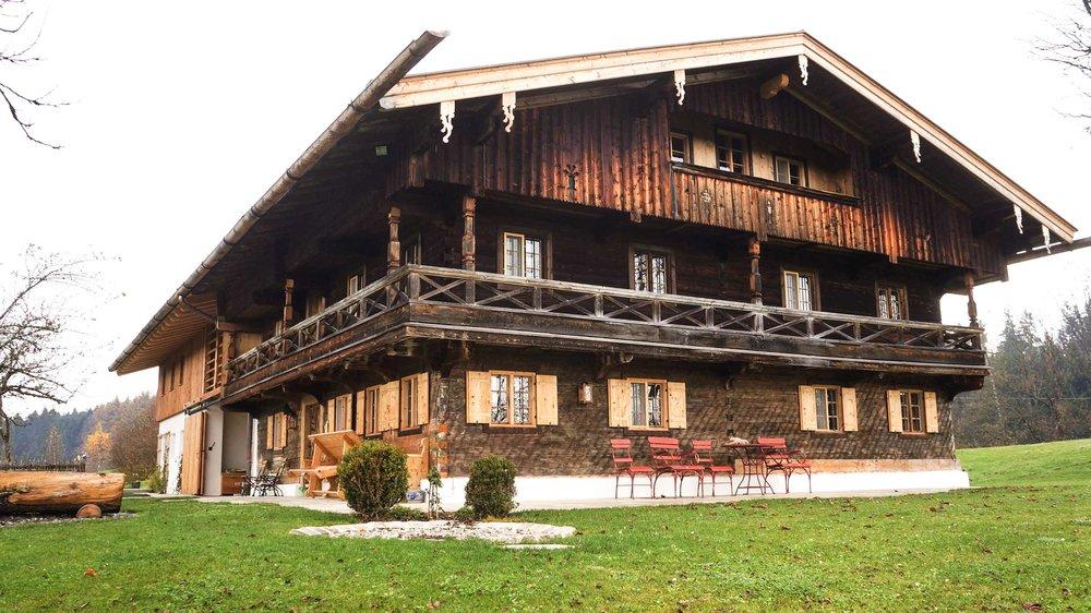 zimmerei-stoib-holzbau-holzahus-bauernhf-sanierung-blockbau-stall-lärche-fassade-umbau-denkmalgeschützt-14.jpg