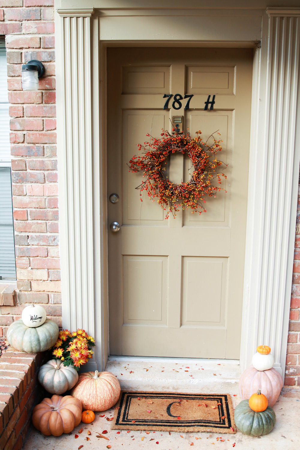 Fall feels - DECORATING A SMALL PORCH
