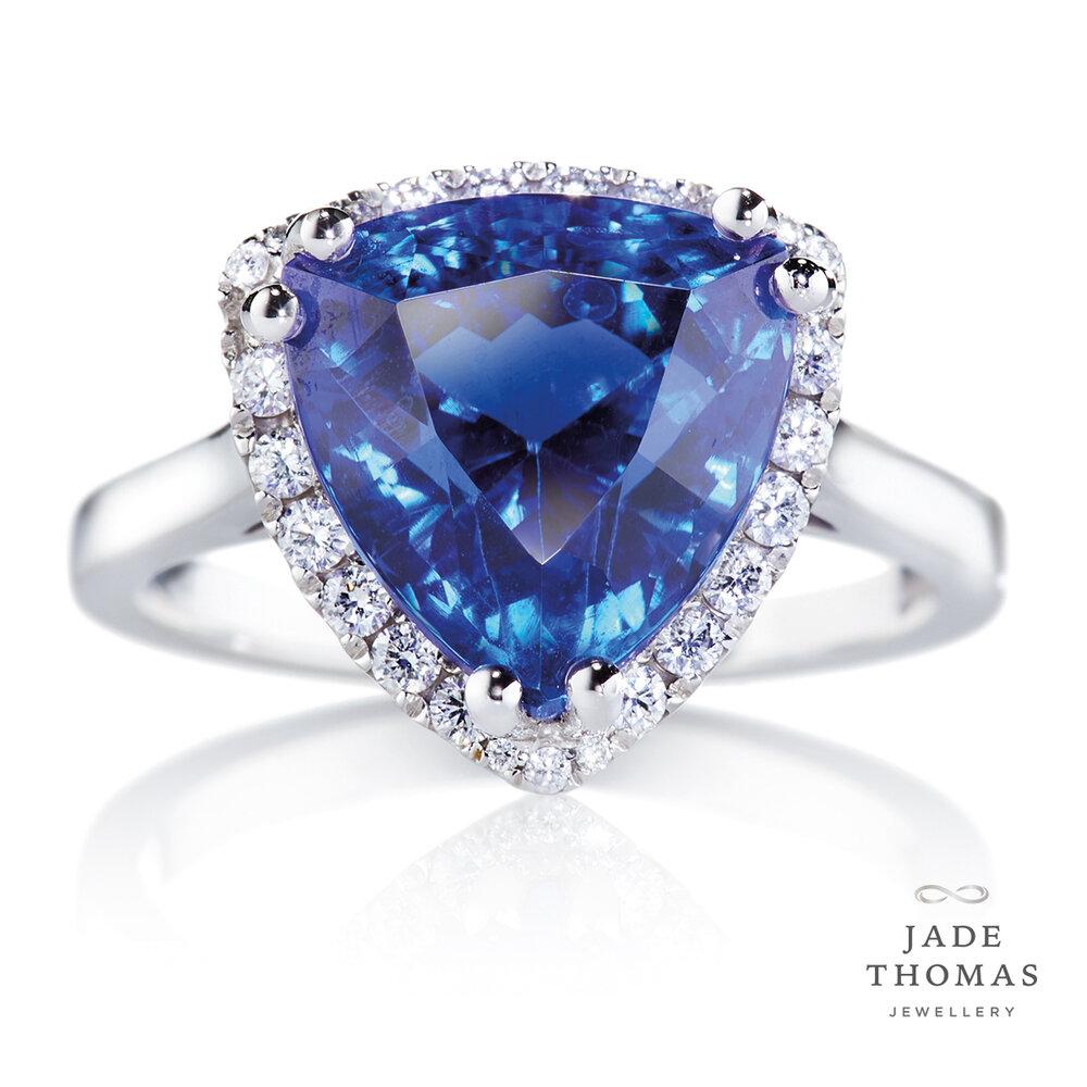18ct White Gold Ring with Tanzanite & Diamonds