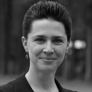 Emily Barcklow D'Amica  est responsable senior de programme au Fonds pour la jeunesse d'Amérique centrale et du Mexique (Fonds CAMY) et travaille dans le domaine de la santé et des droits sexuels et reproductifs depuis 2000.