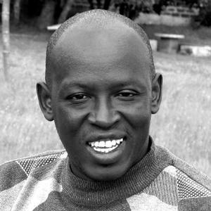 Godfrey Ochieng Okumu est le coordonnateur des programmes de l'Initiative Nyanza pour l'éducation et l'autonomisation des filles (NIGEE) au Kenya.