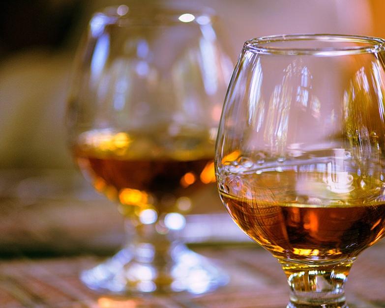 tasting-whiskey-social.jpg