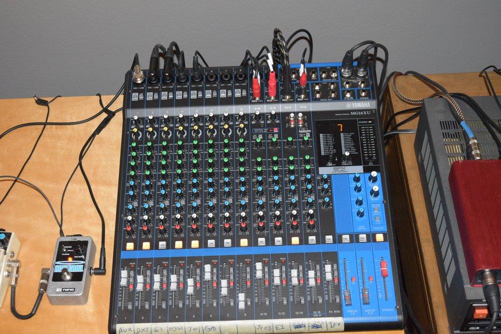 MG16XU Mixer