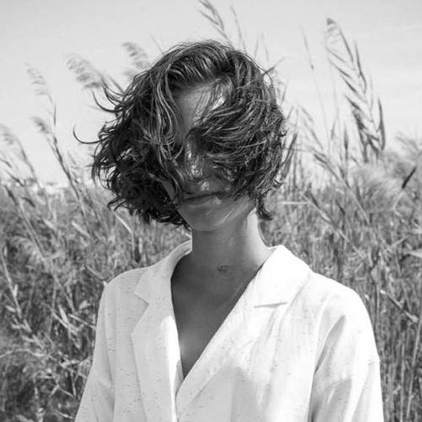 Wind blown. 💨 - - - - - #sonaweaver #madeinla #losangeles #18kgold  #jewelry #handmade #oneofakind  #jewelrygram #coolhunter #instajewelry #weho #manrepeller #blackandwhitephotography #fashion
