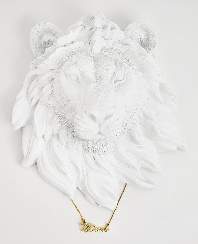 ROAR 📷: @seeeyudddd - - - - - #sonaweaver #madeinla #losangeles #18kgold  #jewelry #necklace #ring #bracelet #handmade  #oneofakind #coolhunter #instajewelry #weho #goldweaver