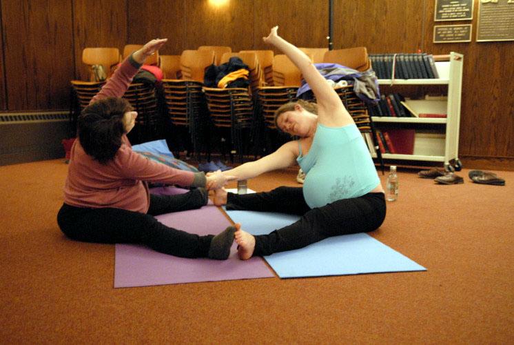 Stacy yoga class  62jolyn's.jpg