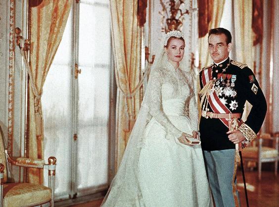 Prince of Monaco Rainier Grimaldi III marries American actress Grace Kelly.